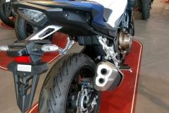 Honda CB500F Color Blanco Pearl Metaloide / Azul Mate Perlado Agile en Servihonda