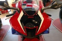 Honda-CBR-1000RR-Fireblade-11