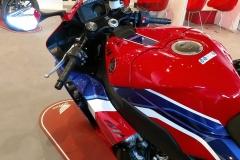Honda-CBR-1000RR-Fireblade-13