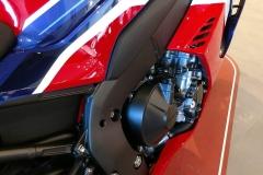 Honda-CBR-1000RR-Fireblade-14