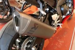 Honda-CBR-1000RR-Fireblade-15
