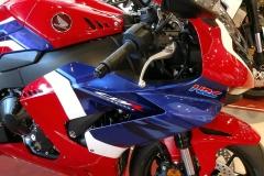 Honda-CBR-1000RR-Fireblade-17