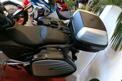 """Honda NC750X con el pack """"Touring Limited Edition"""" y caballete central."""