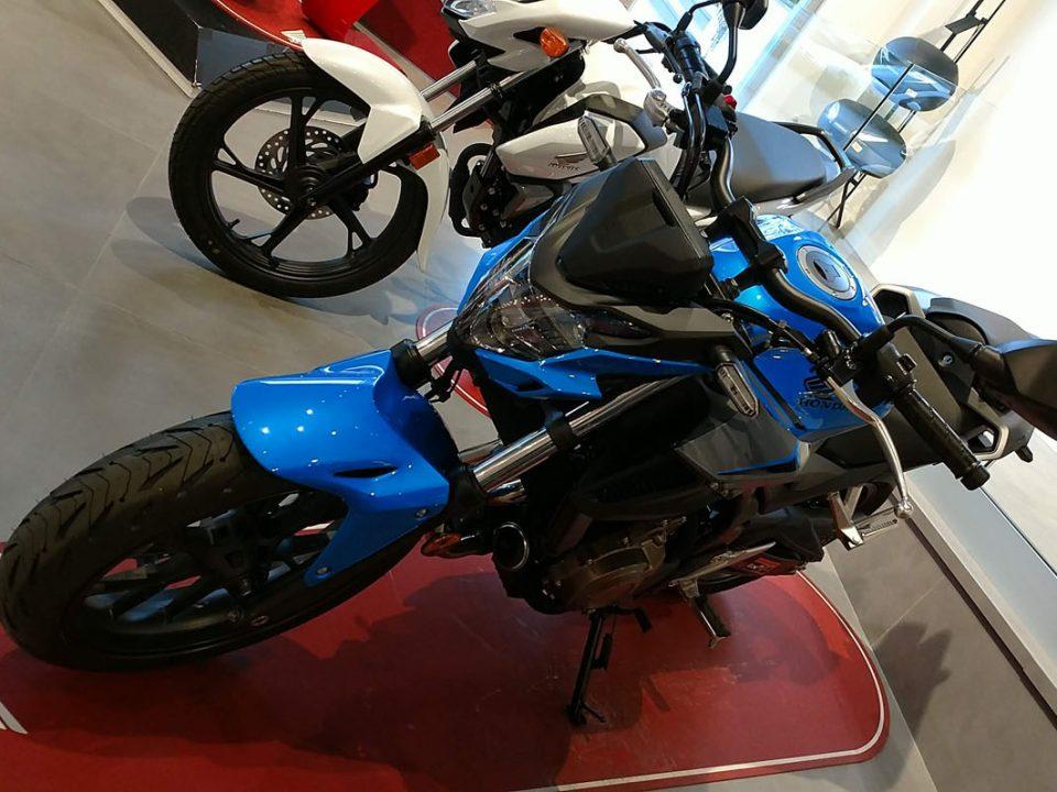 Honda CB500F Color Azul Caribbean Candy en Servihonda.